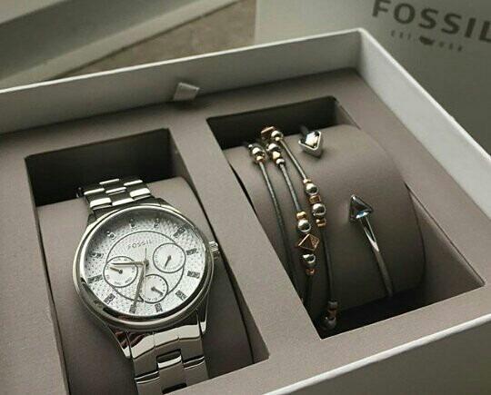 fa131b845c9e Reloj Fossil Para Dama Set Con 2 Pulseras Mod. Bq3077 -   2