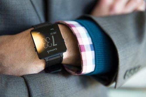 reloj garmin vivoactive