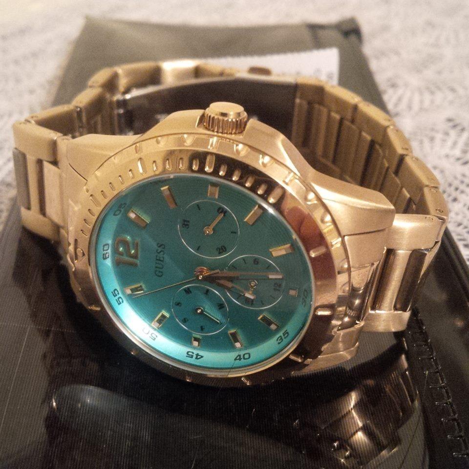 c0f5f34b54e9 reloj guess dorado y turquesa para mujer original - oferta. Cargando zoom.
