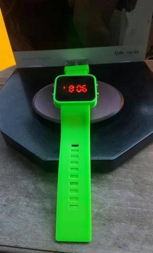 reloj led digital,unisex verde