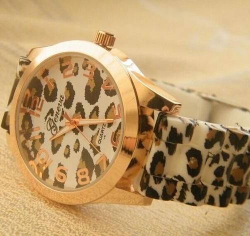 reloj leopardo geneva animal print cromada