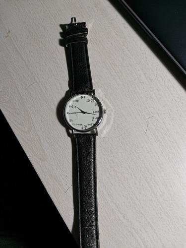 reloj matemático curioso