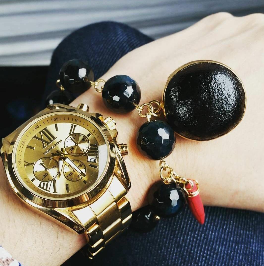 f105bd0b7506 reloj mk dama acero dorado grande. Cargando zoom.