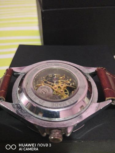 reloj nivada de cuerda