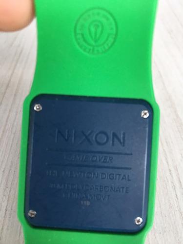 reloj nixon modelo the newton digital game over