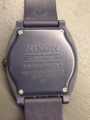 reloj nixon time traveller con malla rota
