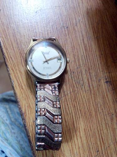 reloj ogival