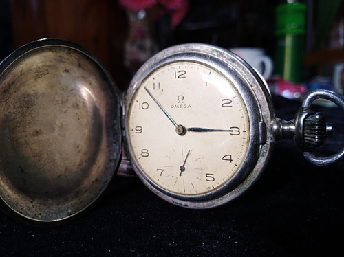 reloj omega de bolsillo.