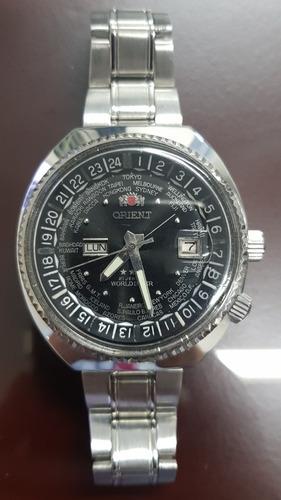 reloj orient hora mundial