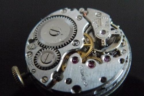 reloj oro solido suizo accurist cuerda 15 rubi año 40