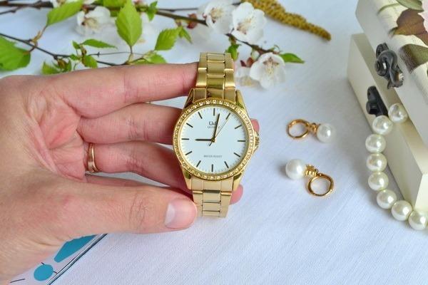 034e4250818b Reloj Para Dama Q q Modelo Q985j001y Pulso Acerado Original ...