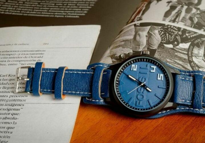c2a3e0d0d405 Reloj Para Hombres Correa De Cuero - Bs. 0
