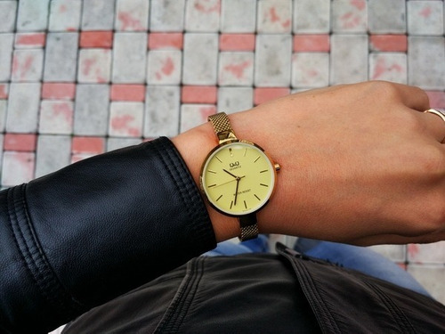 reloj para mujer maya dorado q & q qa15-010