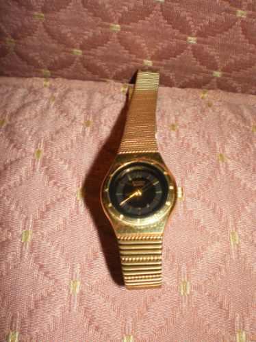 Reloj citizen quartz dorado para dama