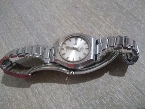 reloj pulsera de hombre seiko  automatico doble calendario