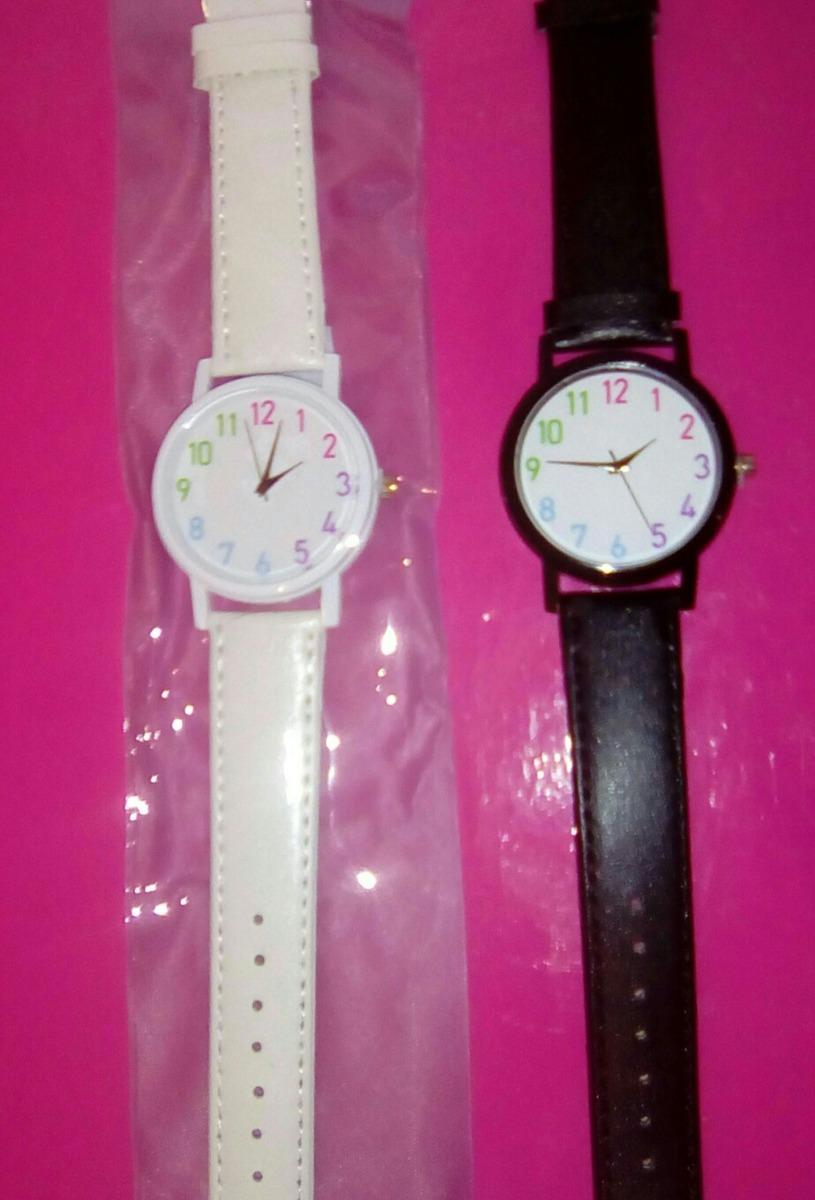 ee0a8c79f602 reloj pulsera simil cuerina numeros grandes blanco negro. Cargando zoom.