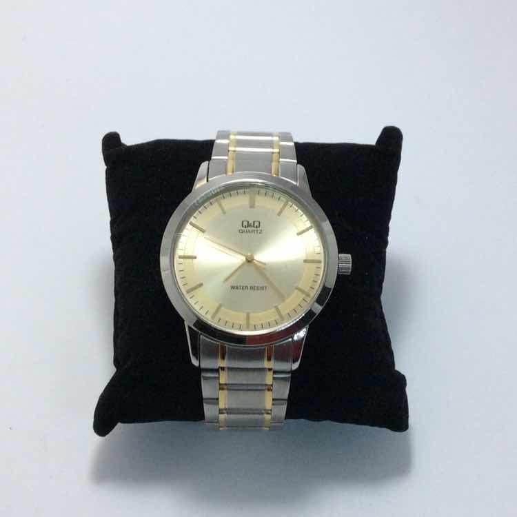 50ad6d84b414 Reloj Q q Elegante Hombre -   450.00 en Mercado Libre