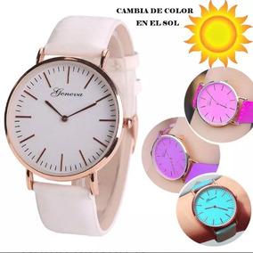 Reloj Que Luz Color De La Cambian Con Solar Nm0y8wvnO