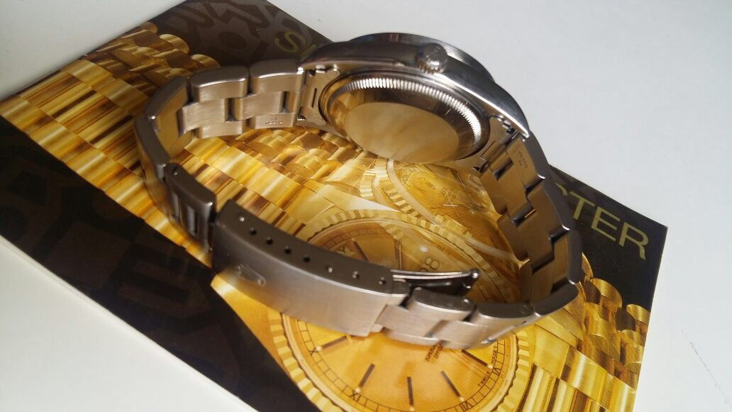 bba3d274128 reloj rolex 15210 fondo negro   orologiwatches  . Cargando zoom.