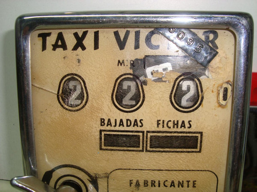 reloj taxi victor antiguo a cuerda muy bueno funciona