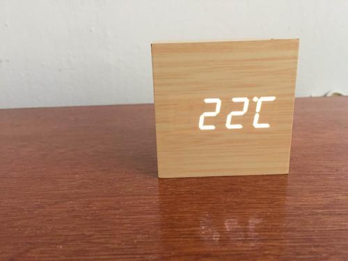 reloj tipo bambu minimalista elegante fecha temperatura