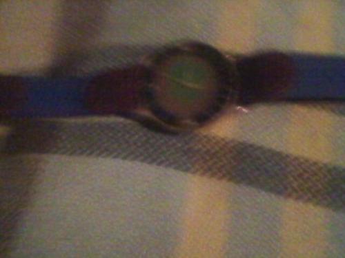 reloj tommy con correa de cuero