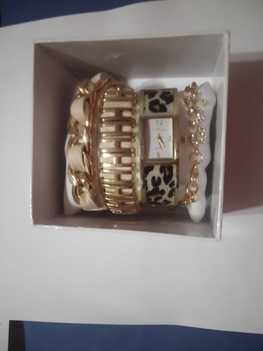 reloj via nova con pulseras el regalo ideal $1300.00 mn4