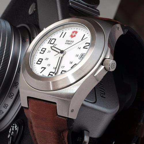 Reloj Victorinox Excursion Collection Acero 218 Nico Merc