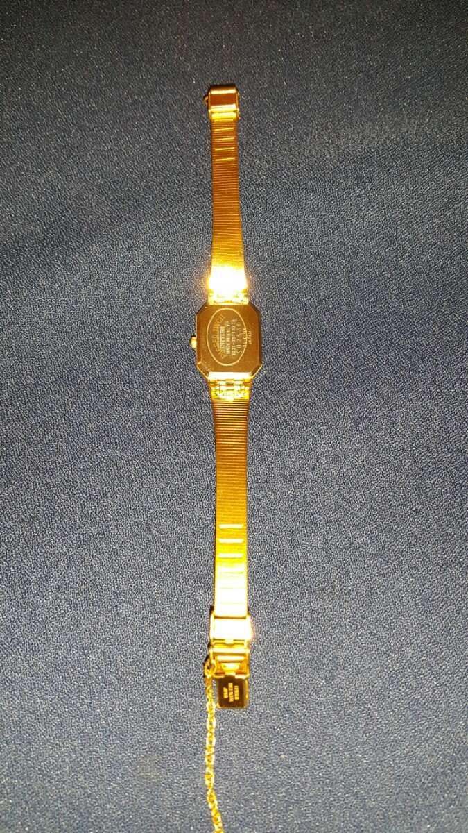 Reloj para dama Citizen Quartz 60774 dorado
