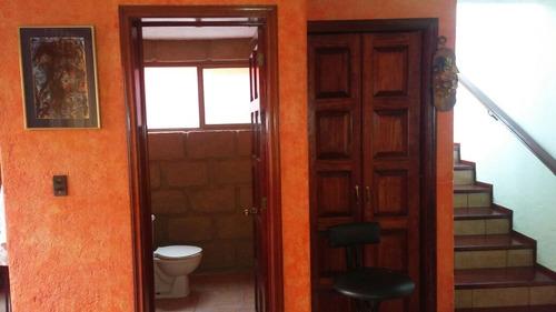 remato bonita casa de 2 niveles, 3 rec. 2.5 baños, terminada