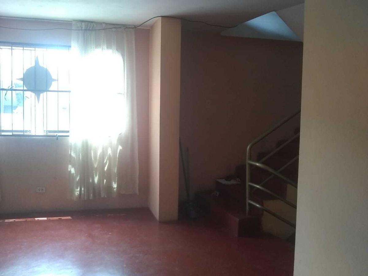remato casa 3 pisos - esquina - 250m2 construidos - sjm