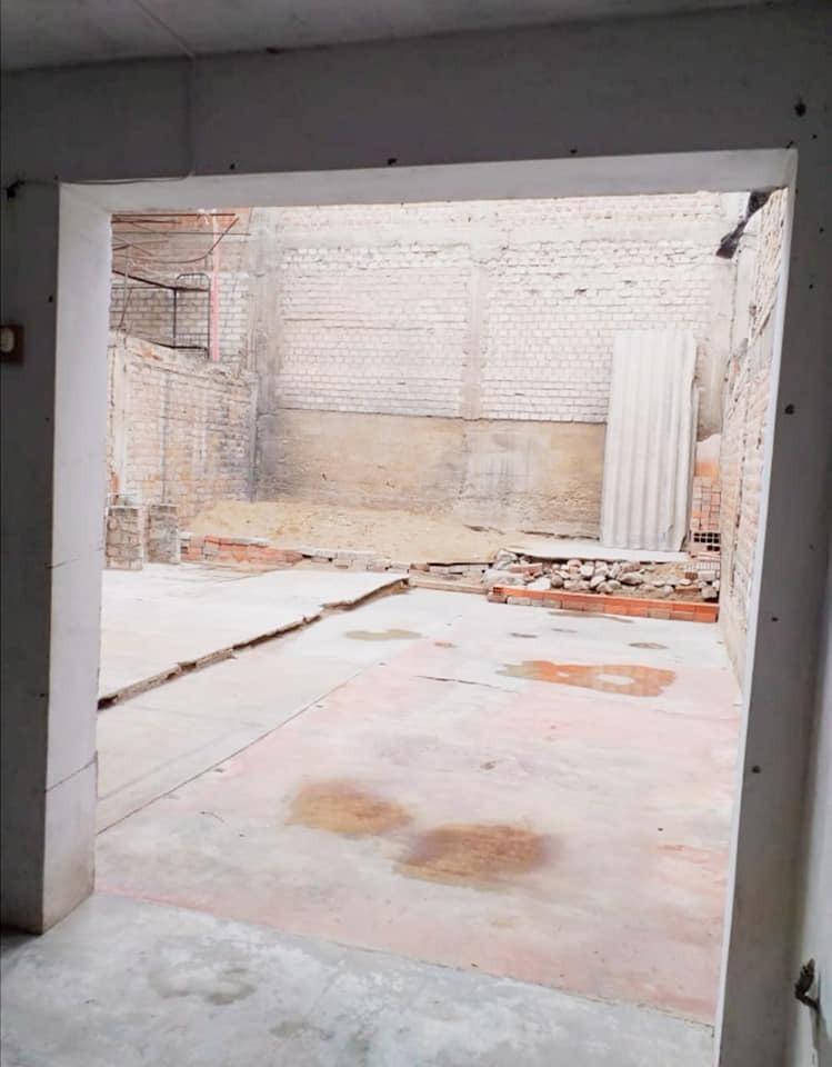 remato casa - semiconstruida - área 140m2 -villa el salvador