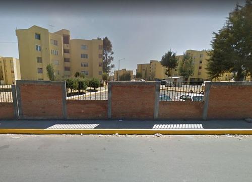 remato departamento con áreas verdes y área de lavado