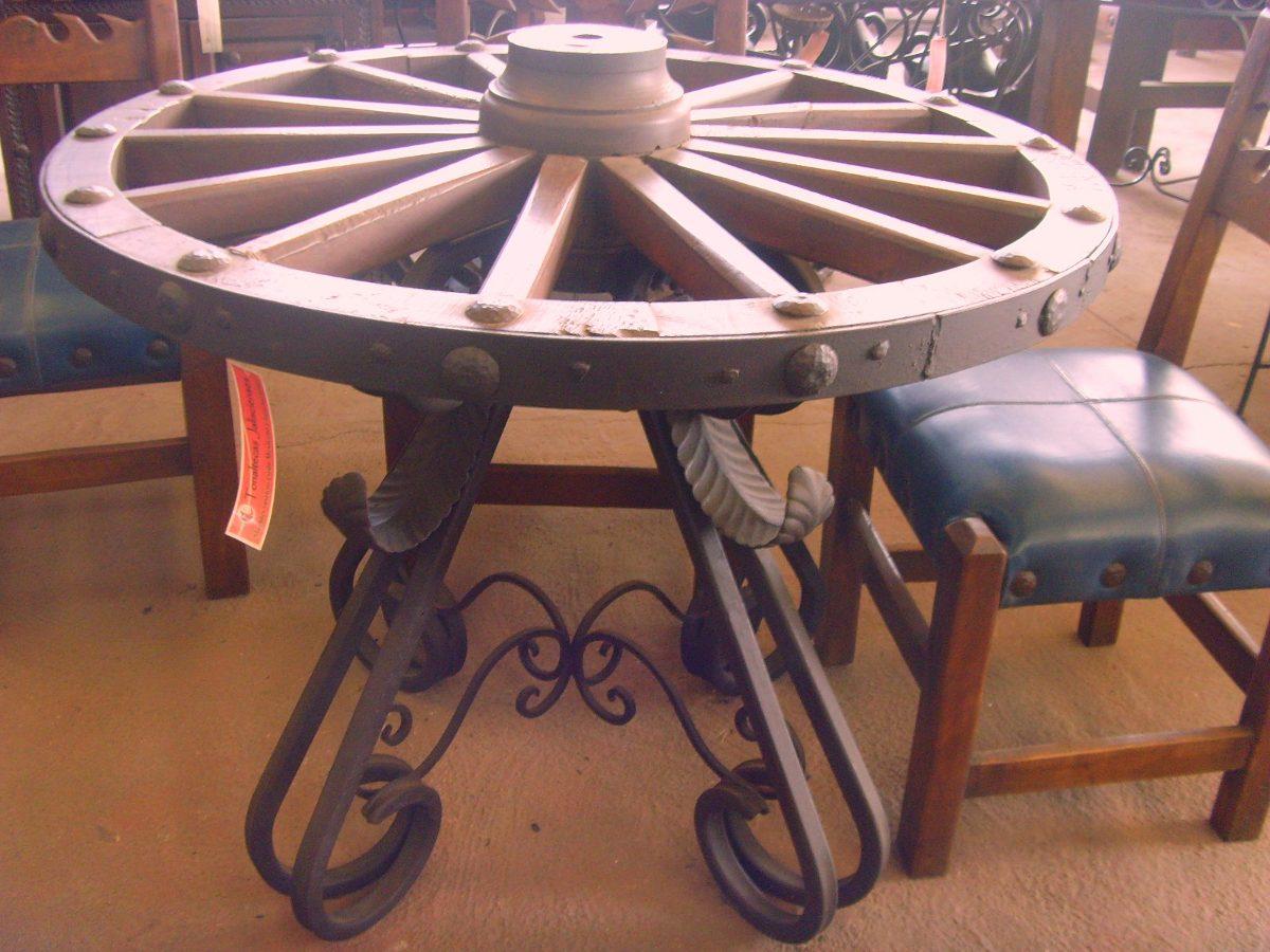 Remato mesa de comedor con rueda de carreta estilo antiguo for Como hacer una mesa estilo industrial