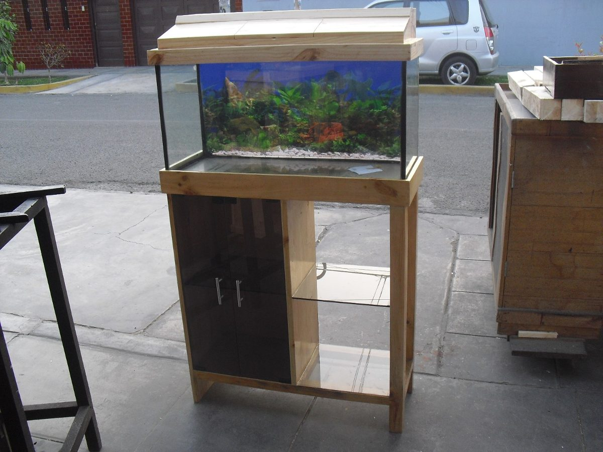 Remato Mueble Tapa Y Pecera S/ 340,00 en Mercado Libre
