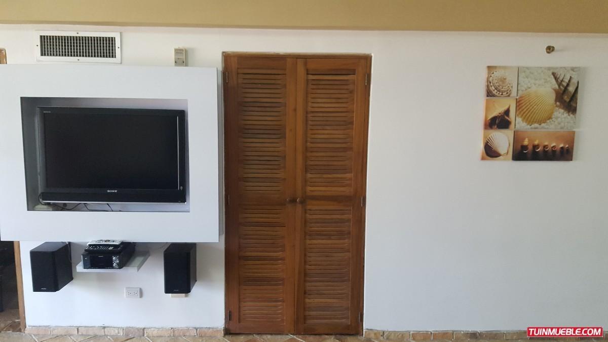remax costa azul vende apartamento en  edificio puerto arena