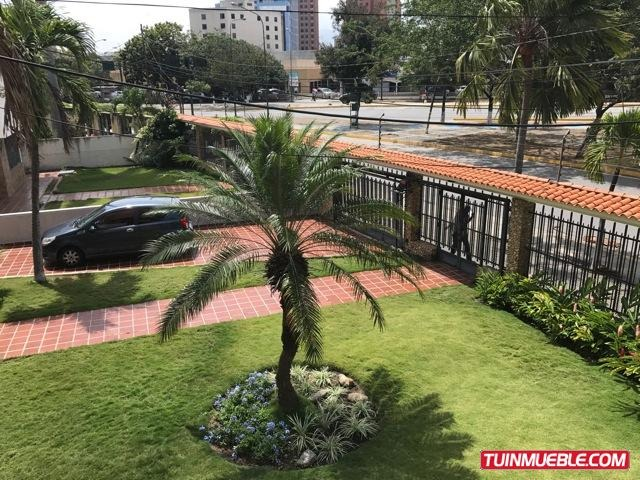 remax costa azul vende casa en av. leones - barquisimeto