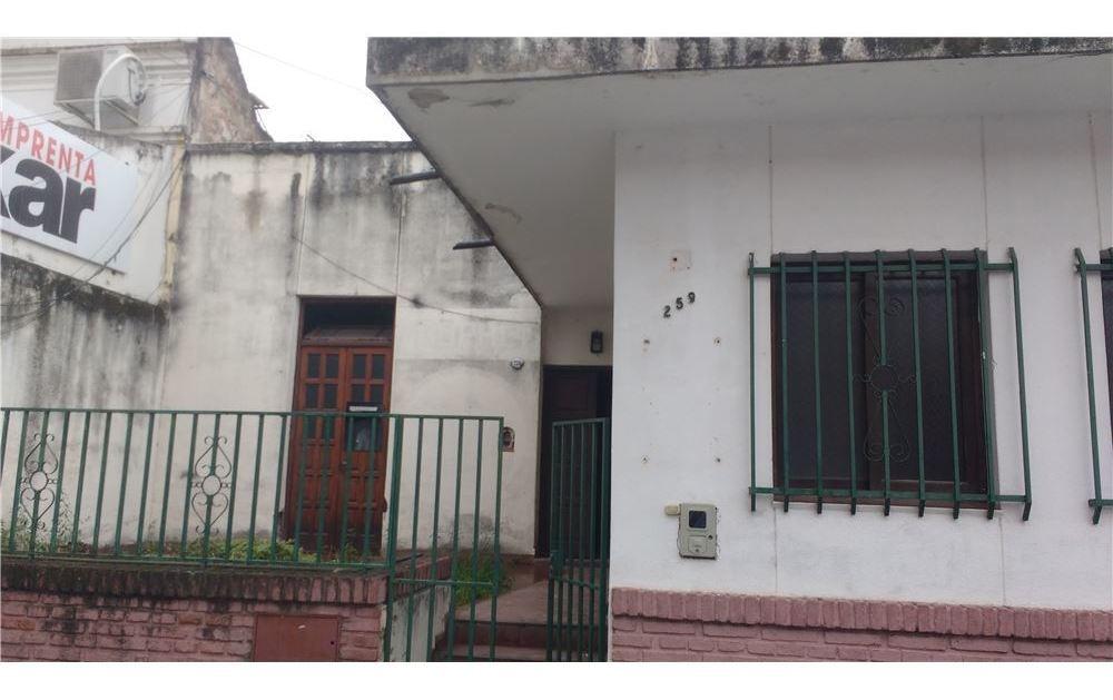re/max noa ii vende casa zona  triubunales