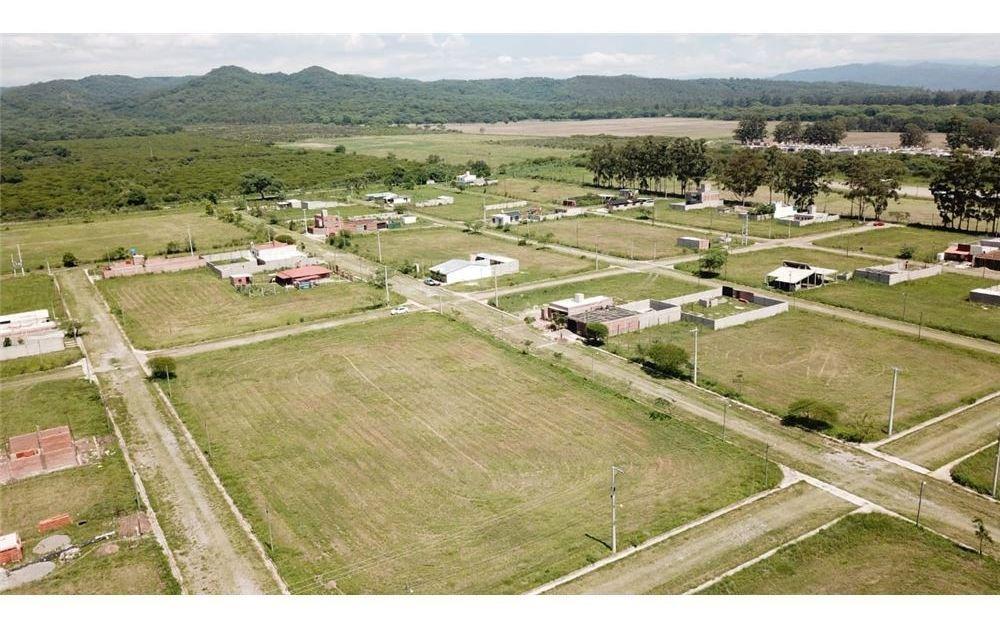 re/max noa ii vende terreno en las colinas 250m2