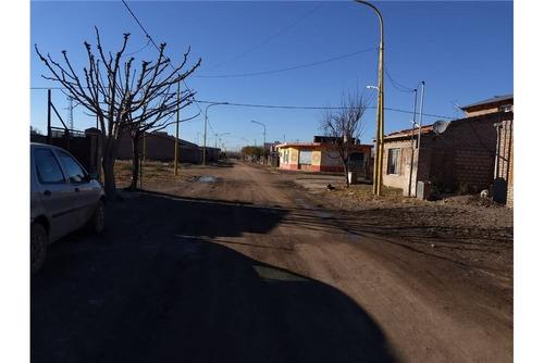 re/max vende terreno en v. regina, b° don rodolfo