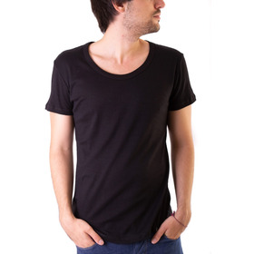 Remera Absolutjoy - Modelo Shard - Escote Redondo Amplio