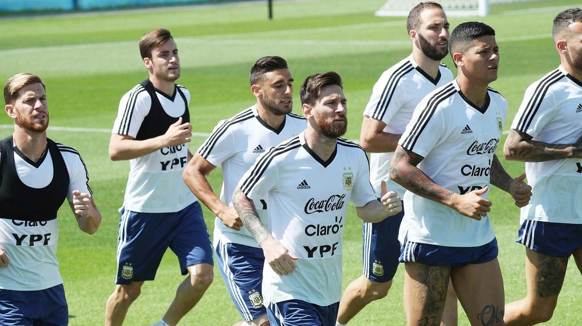 fcc0760405f70 remera adidas argentina afa entrenamiento fútbol hombre. Cargando zoom.