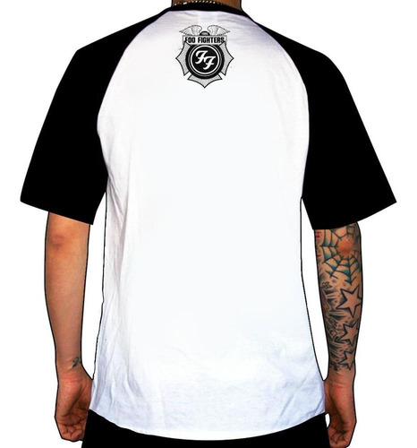 remera combianda foo fighters  one by one