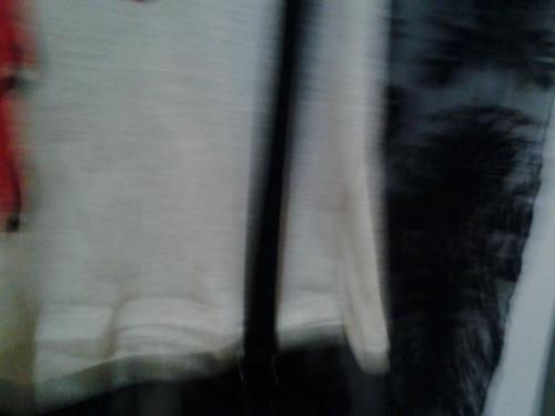 remera de algodon con tiradores