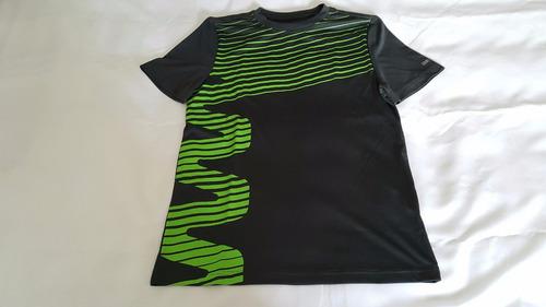 remera de hombre marca reebok play dry 100% original.-