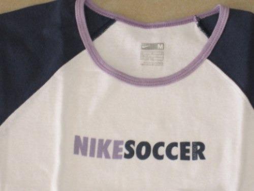 remera deportiva blanca con lila y azul t:10 (medium) m/c
