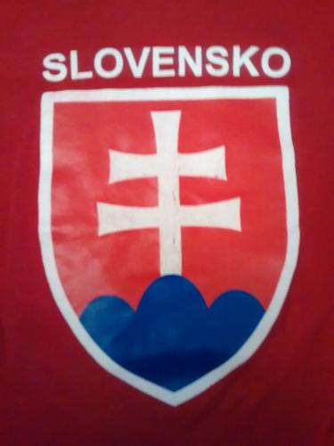 remera hombre slovensko medidas en el anuncio