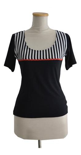remera negra manga corta rayas pin up  rayado blanco y negro