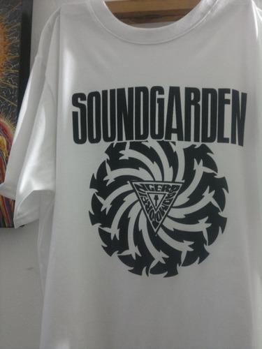 remera rock  soundgarden + lamina de regalo serigrafia