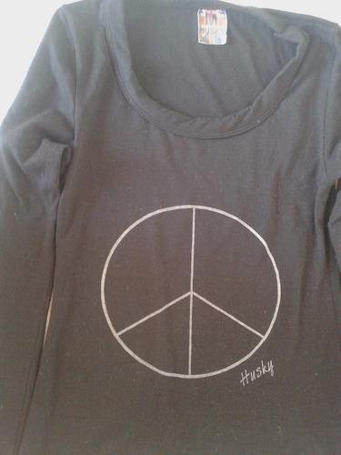 remera simbolo paz negra marca husky talle m